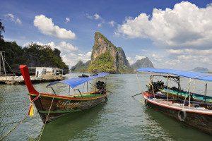 Badeferien Phuket Langboote in der Phang Nga Bucht
