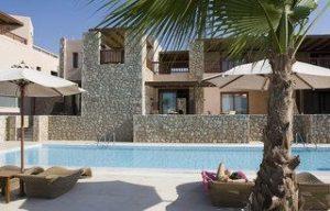 Familienferien_Griechenland_Ikaros Luxury Beach Resort_Kreta_Pool und Unterkuenfte